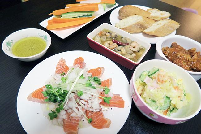 """""""見た目にもこだわる""""という横山さんが作った料理。アヒージョもあります!"""