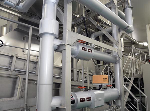 1時間に1.5トンの蒸米を生産できる蒸し器。これにより蒸米工程の効率は大幅に向上した。