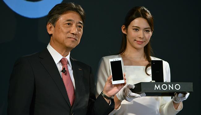 MONOを紹介する吉澤社長